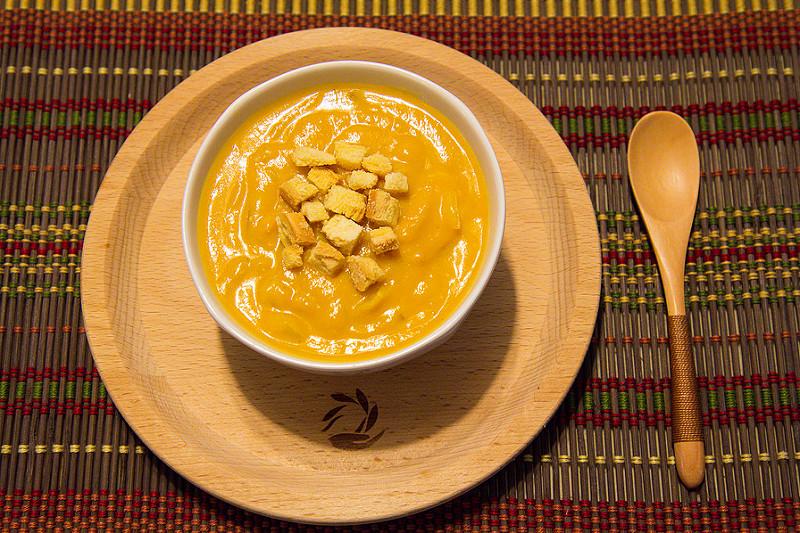 [食譜] 老爹廚房 南瓜海鮮濃湯 男生也可以簡單做,不加一滴水的南瓜濃湯!
